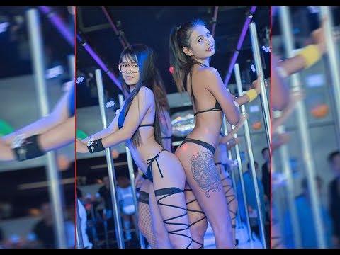 Pattaya Walking Avenue Nightlife Freelancer, Ladyboys And Girls