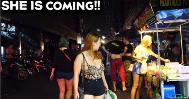 (4K) Wait Wait ! She is Coming !!! , Walking Street, Pattaya (TL VLOG #37)