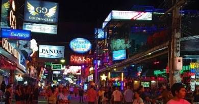 Walking Avenue, Pattaya, Thailand [4K] [ December 2019]