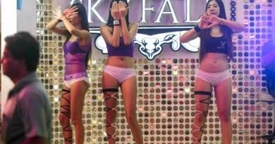 BEAUTIFUL THAILAND LADIES OF PATTAYA WALKING STREET   Vlog 2