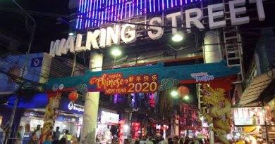 Waliking Side dual carriageway 2020, Pattaya, Thailand 1-23-20 (Jon De Leon)