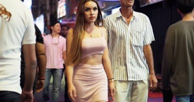 Pattaya Ladies on Walking Avenue after 1 AM