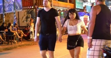 Crimson Streets at Night Time – Walking Avenue / Buakhao / Pattaya