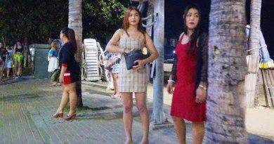 Pattaya Seaside Road on Thursday Evening