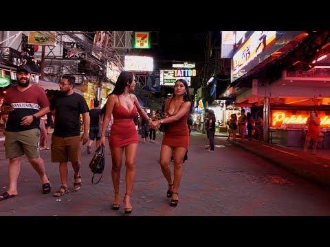 In vogue Folk in Walking Avenue, Pattaya