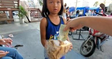 CUTEST LITTLE GIRL Sells Thai Snacks in PATTAYA THAILAND 4K