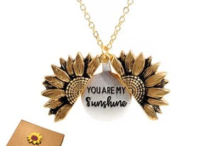 2019 New Gold Necklaces Women Fashion Jewelry Letter Engraved Open Locket Sunflower Pendant Necklaces Women Girl Birthday Gift