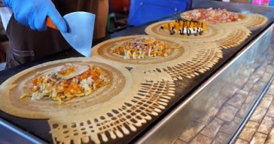 Thailand crepes with diverse toppings – Thai motorway food