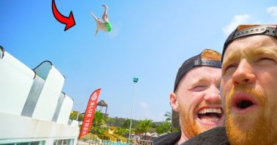CRAZY DANGEROUS WATERPARK IN THAILAND!! *LEE KNOCKED HIMSELF OUT*
