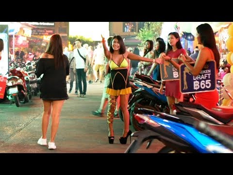 Evening Time Scenes – Pattaya Thailand – WS / LK Metro / Buakhao