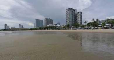 Stroll on Pattaya Sea lag (filmed by BC)