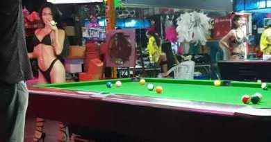 Pattaya – Ladyboy Fotoshooting  – Tj's Tune Bar – Thailand