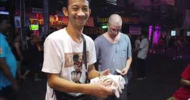 Cheap Charlie in Walking Avenue, Pattaya