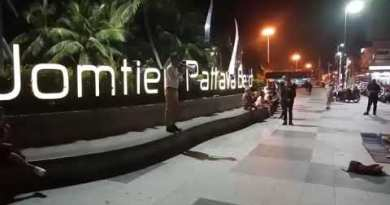 Foreigner reportedly assaulted by Suited-democracy protester in Pattaya, police investigating incident