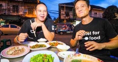 Thai Chinese language Food Tour in ENDANGERED CHINATOWN Neighborhood in Bangkok, Thailand!