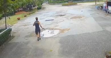 American tourist ineffective after stealing gun in Thailand