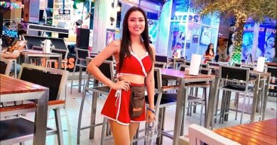 Christmas Eve at Hooters Pattaya, Plus the Strolling Aspect road (2020-12-24)