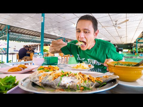 Day 1 in Satun, Thailand!! Seafood Dinner, Evening Market + Tour of Satun!