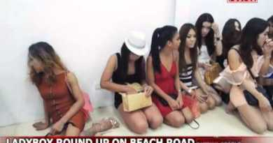 LADYBOY ROUND UP & ARRESTED ON PATTAYA BEACH ROAD
