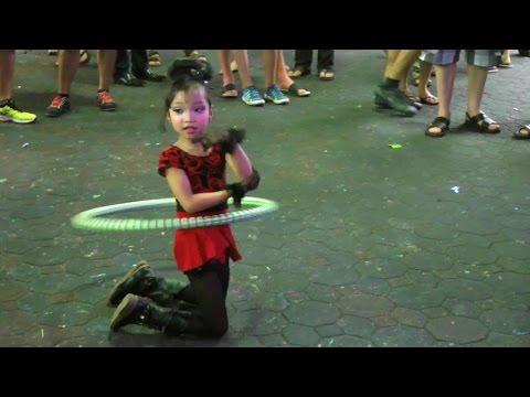 Young Superstar Hula Lady and More; Pattaya, Walking Freeway