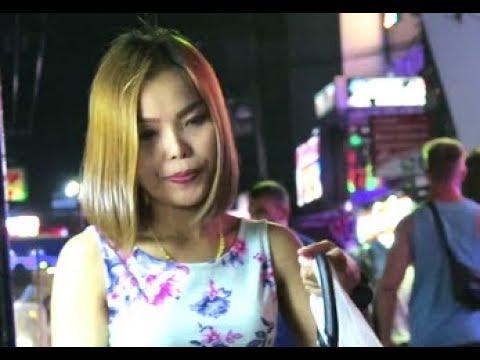 Strolling Freeway Pattaya Nightlife