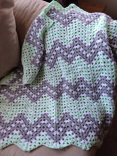 Easy Ripple Waves Baby Blanket Crochet Pattern