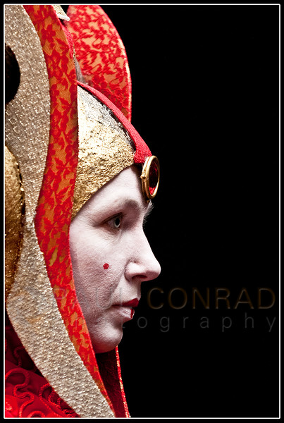© Paul Conrad/SyFy/Getty ImagesCrystal Von Oy of Mill Creek, Wash., portrays Queen Amidala from Star Wars: Episode 1 - The Phantom Menace during the 2nd day of the Emerald City Comicon in Seattle, Wash., on Saturday Mar. 2, 2013.
