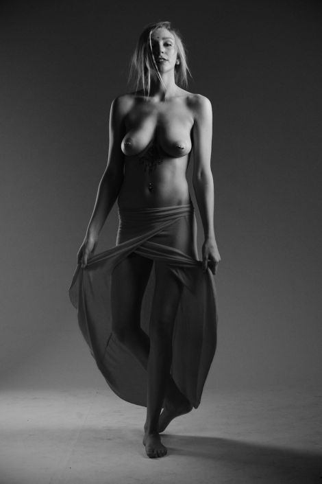 Kendra Sunderland, The Library Girl, nude photo
