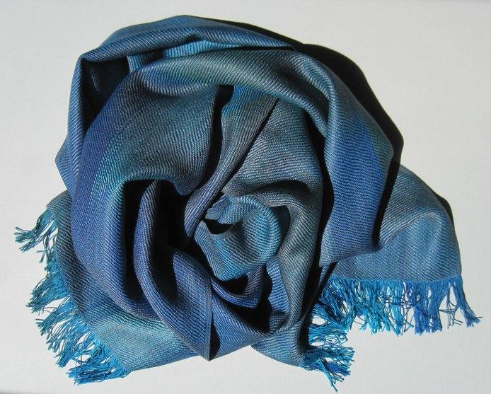 Seidenschal blau
