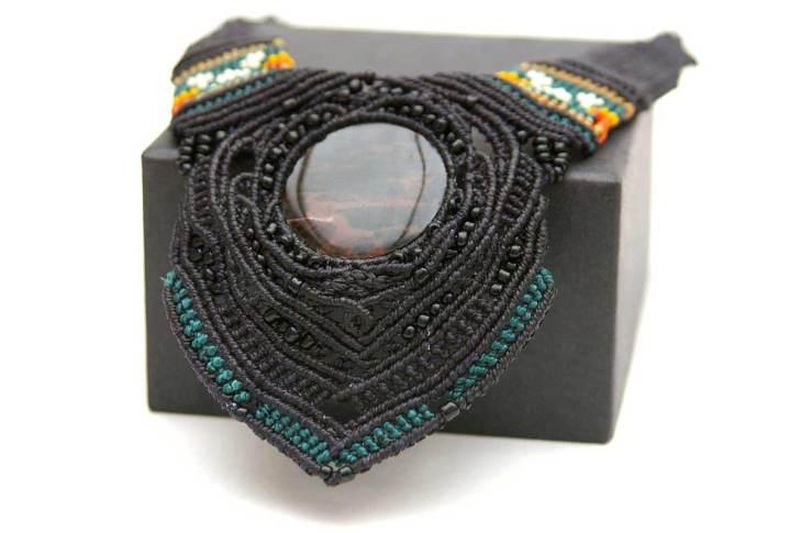 Pauline-Huard-design-textile-stylisme-illustration-graphisme-ANUDA-collier-1