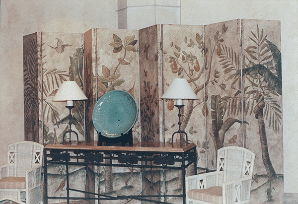 A contemporary Chinoiserie design as a screen from the 1980s
