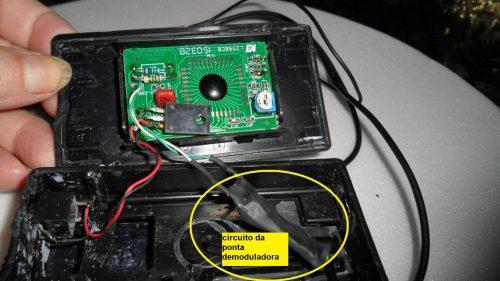 Fig.5 - Visão interna da montagem da ponta de moduladora com voltímetro