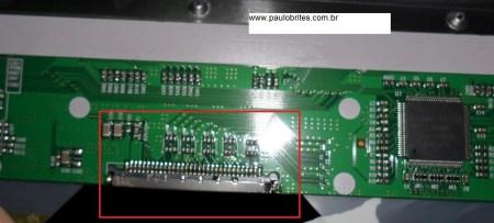 Localização do conector LVDS