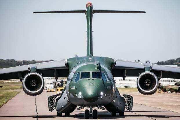 Resultado de imagem para cargueiro militar KC-390