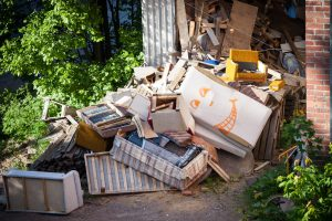 4 Benefits of Hiring a Junk Removal Service