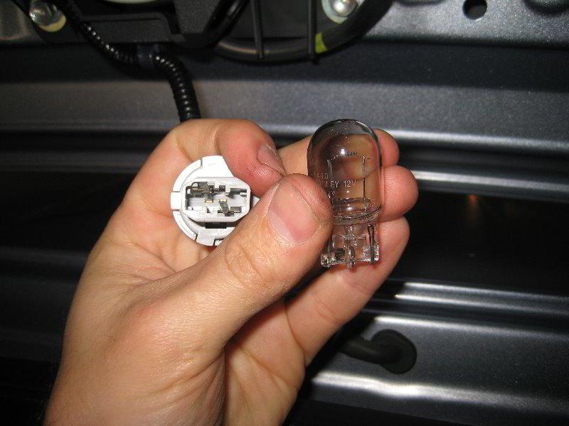 Honda Cr V Third Brake Light Bulb Replacement Guide 010