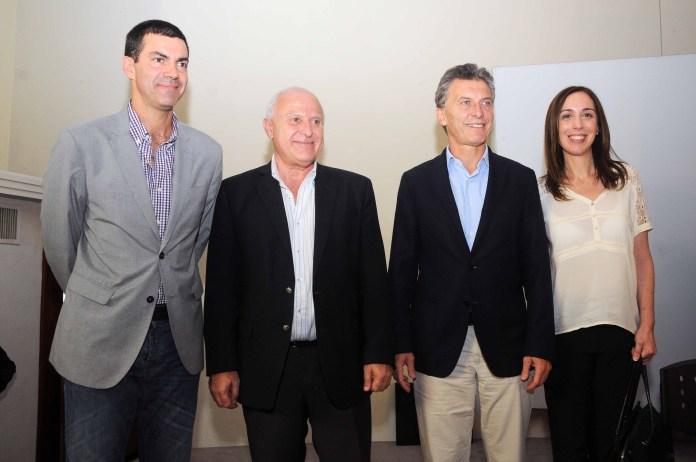 Juan Manuel Urtubey (PJ), Miguel Lifschitz (PS) y María Eugenia Vidal (PRO), junto al radical Cornejo, participaron de la conferencia de prensa que encabezó el presidente Macri.