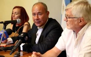 Jorge Molina (UPCN) y Jorge Hoffmann (ATE), después de la primera reunión paritaria.
