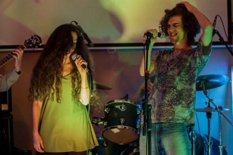 Cintia Bertolino y Pablo Ferreira, con Infusión Kamachuí.
