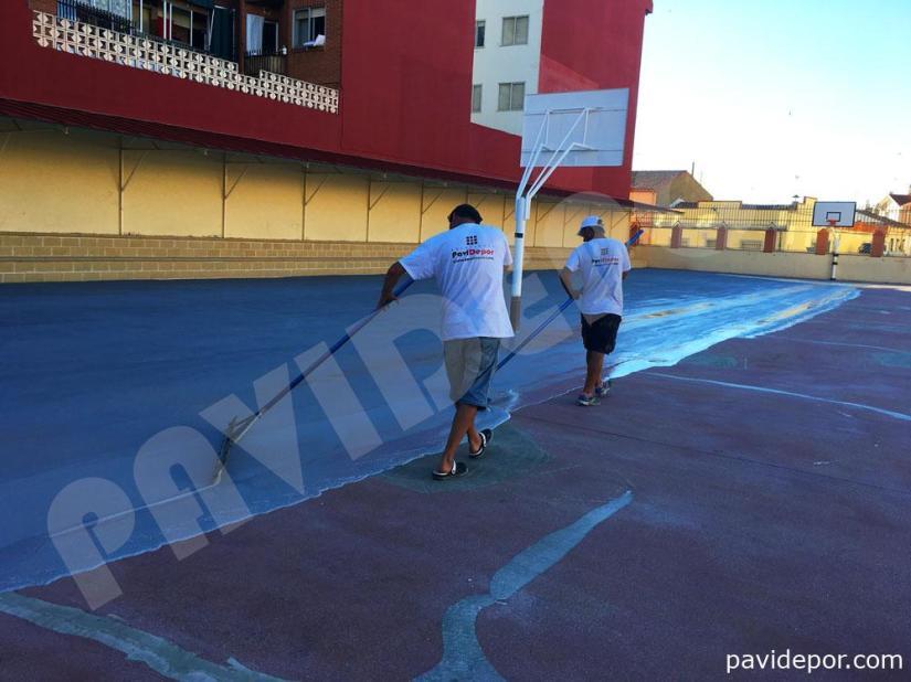Aplicación de resinas en pavimento de colegio San Vicente de Paul, de Benavente, Zamora