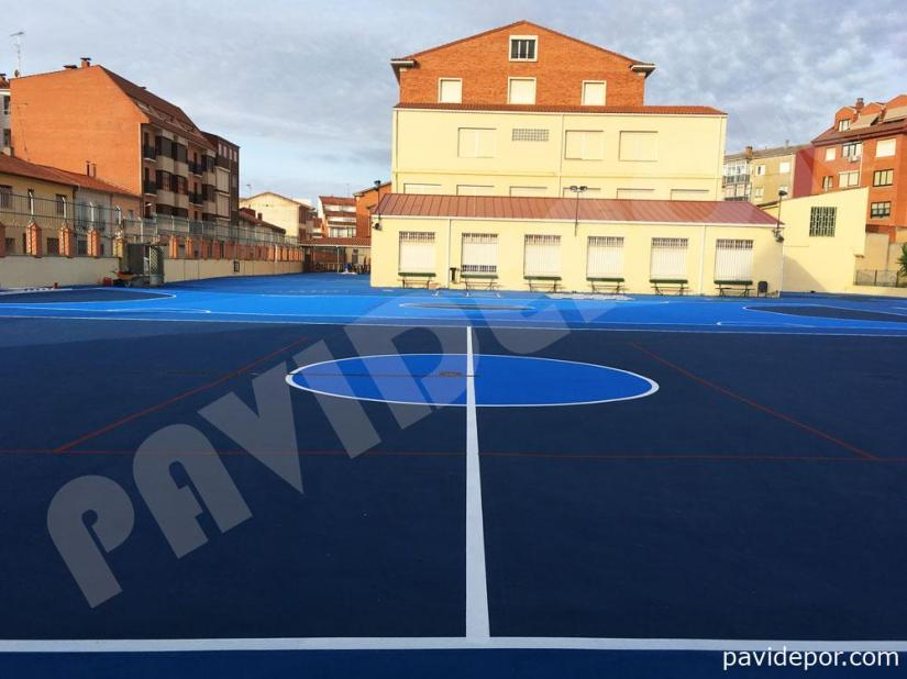 Resultado final pavimento pistas deportivas colegio San Vicente de Paul, de Benavente, Zamora