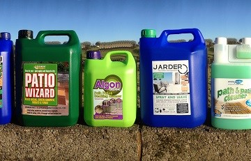 Safe to use cleaners for paving that clean dirt, moss and algae from paving