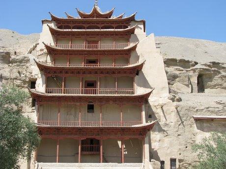 Dunhuang - pustynia, wielbłądy ibuddyjskie groty 5
