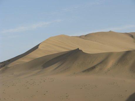 Dunhuang - pustynia, wielbłądy ibuddyjskie groty 21