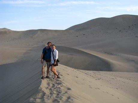 Dunhuang - pustynia, wielbłądy ibuddyjskie groty 27