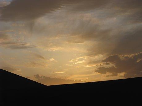Dunhuang - pustynia, wielbłądy ibuddyjskie groty 40