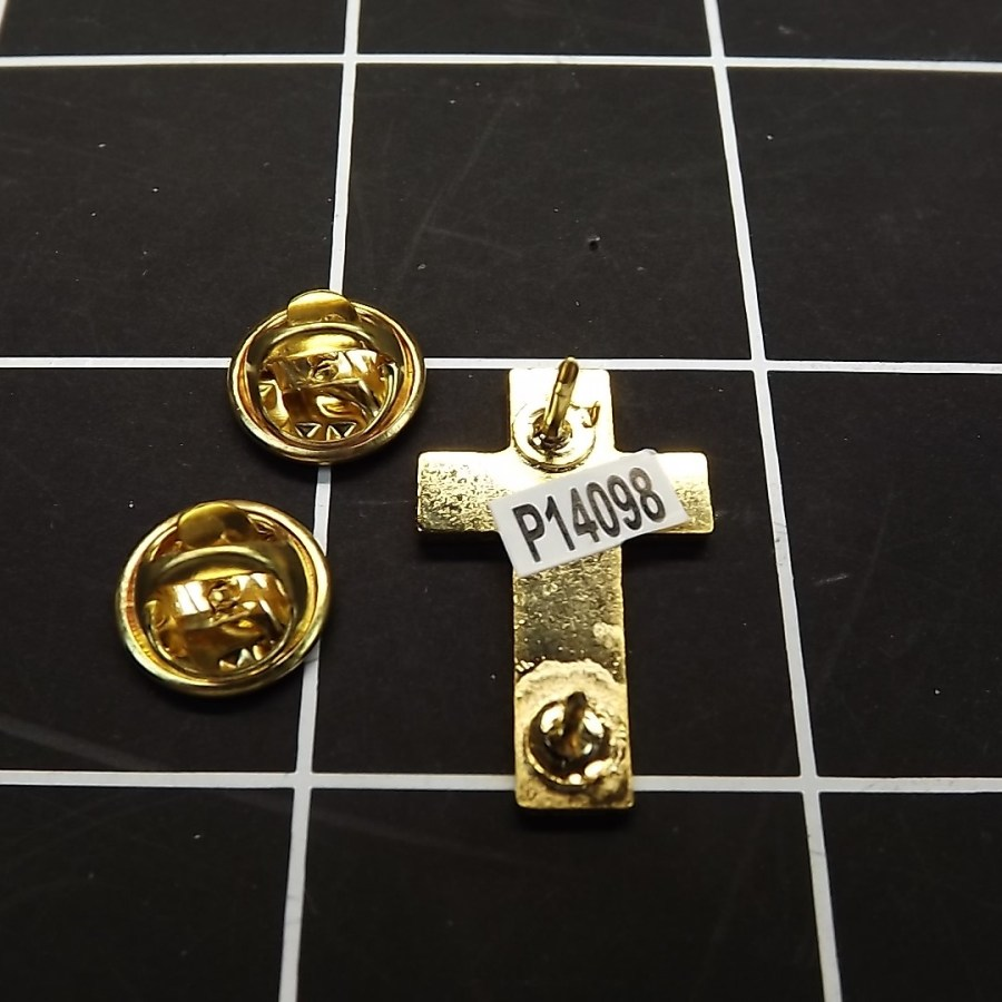 """BRAND NEW Lapel Pin United States Army Chaplains Cross Gold Tone 1"""" 3"""