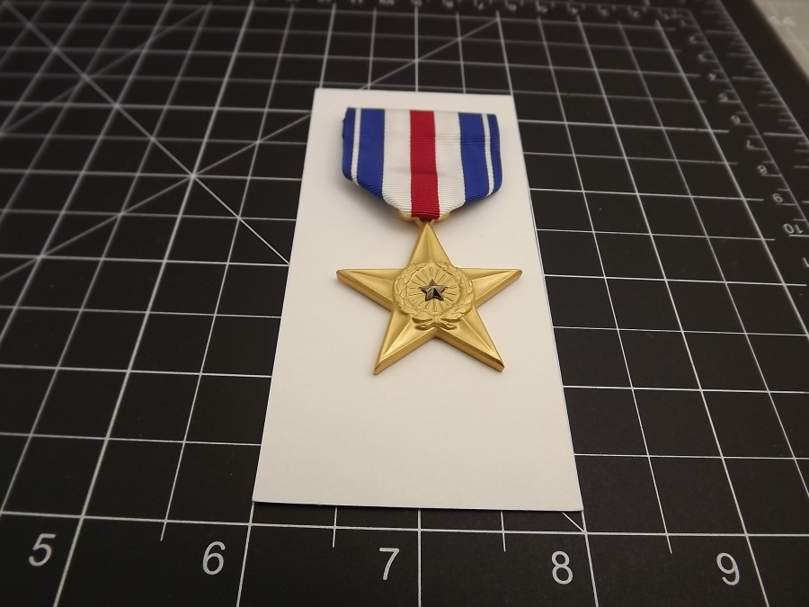SILVER STAR REGULATION MEDAL US ARMY MARINES NAVY AIR FORCE USCG RIBBON PIN UP 3
