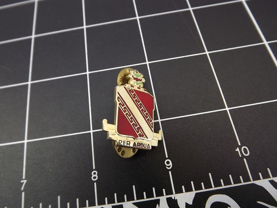 European CREST Enamel LAPEL HAT PIN appears to be some kind of crest or military designation FRANCE BELGIUM? 1