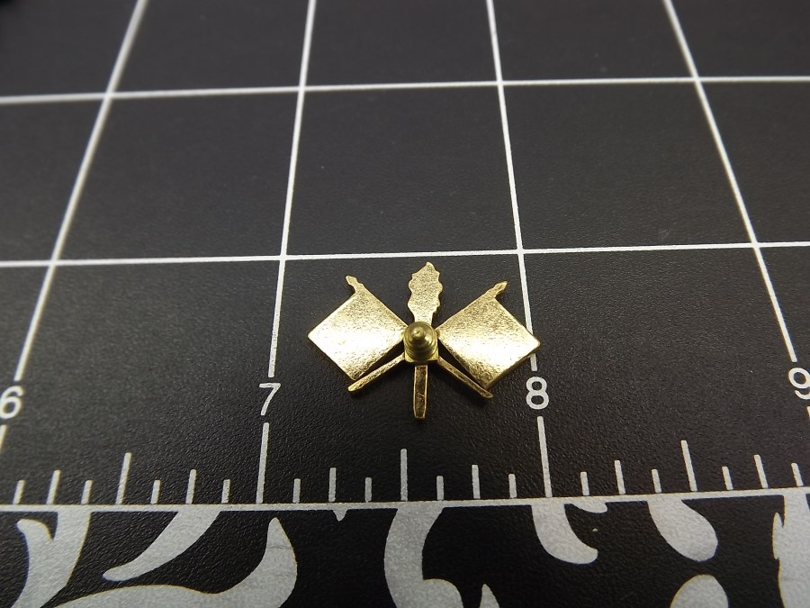 VINTAGE GOLD TONE MILITARY FLAGS TORCH LAPEL BUTTON PIN 3